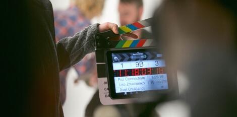 Imagem de um claquete de cinema.